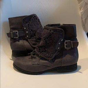 Not Rated NEW grey ankle boots sz 7.5